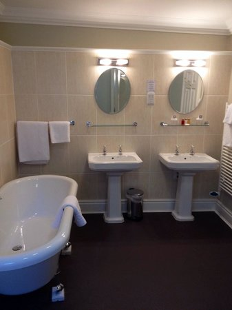 Middletons York: Deluxe bathroom - lovely and warm