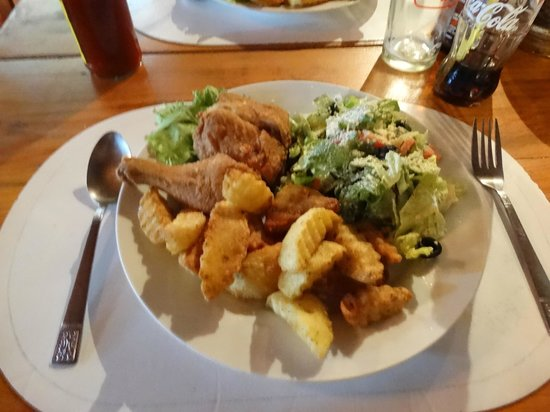 Masferre Country Inn and Restaurant: Excellent plat...formule COMBO MEALS