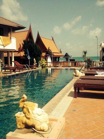 Sunrise Resort : Pool