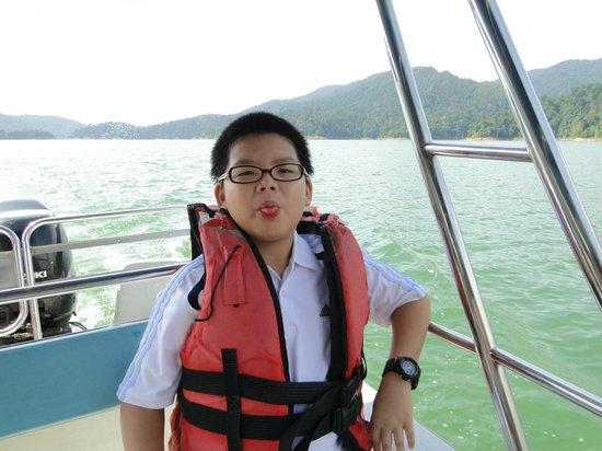 Belum Rainforest Resort: Boat trips