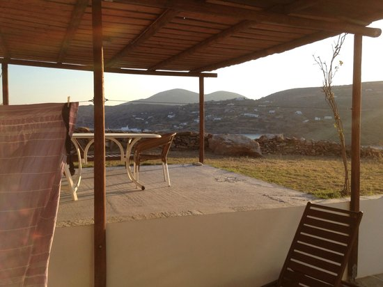 Kavos Studios : Terrasse du grand appartement