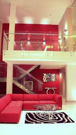 AZ Hotel & Suites: Recepción