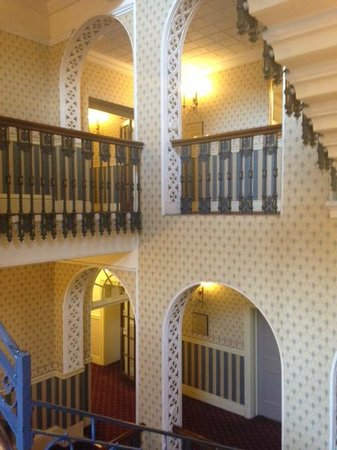 Holiday Inn Sheffield: Wonderful Staircase in the Royal Victoria, Sheffield