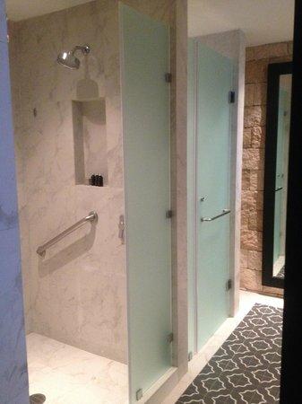 Hard Rock Hotel Riviera Maya: our bathroom.