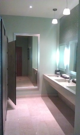 Hyatt Regency Trinidad: bathroom on the ground floor