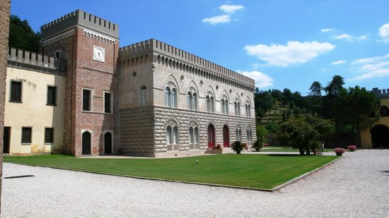 Castello di Lispida: The facade