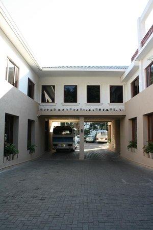 Hotel Thilanka: Eingang