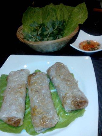 Restaurant Mekong : involtini da avvolgere in foglie di lattuga e intingere nella salsina