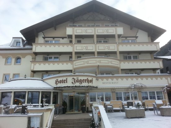 Hotel Jaegerhof: View of hotel from front