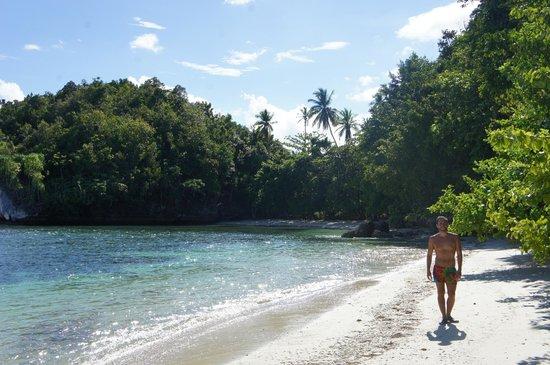 Raja Ampat Doberai Eco Resort: other side of island