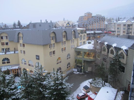 Hilton Whistler Resort & Spa: View from our room on the 7th floor.