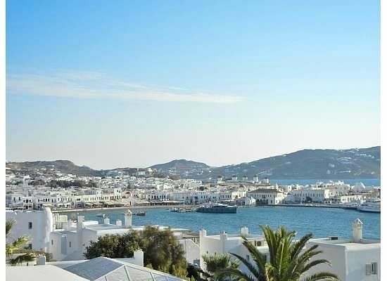 Porto Mykonos Hotel: View into town