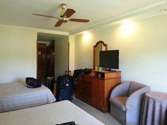 Exe Hotel Cataratas: Habitación muy confortable