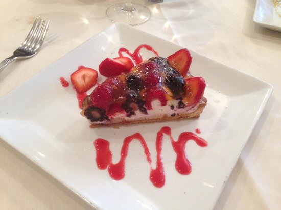 Tuscany Il Ristorante : Fruit tart, excellent