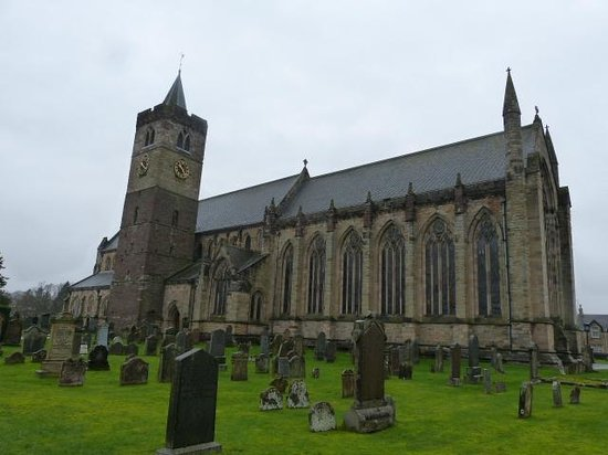 Dunblane Cathedral from the front