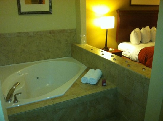 Country Inn & Suites By Carlson, San Marcos: Me and my fiancé enjoyed valentines weekend in San Marcos :-)