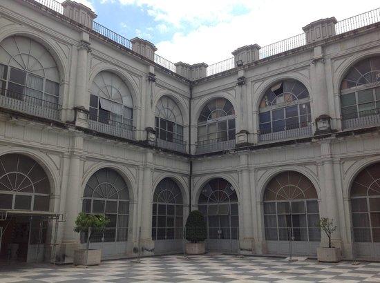 Real Fabrica de Tabacos: Courtyard