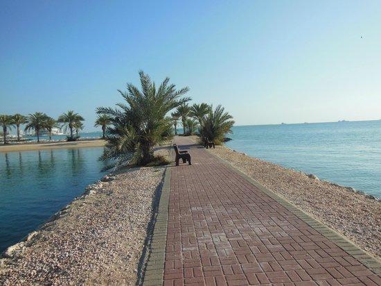 Sheraton Grand Doha Resort & Convention Hotel : hotel grounds