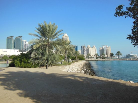Sheraton Grand Doha Resort & Convention Hotel: hotel grounds