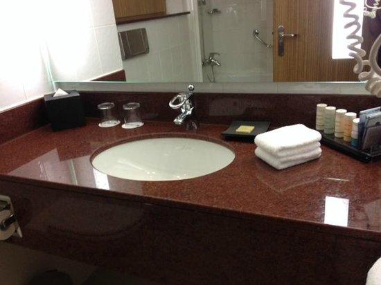 Radisson Blu Hotel, Muscat: Lavabo