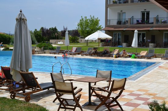 Nostos Hotel: There is always a chair available by the pool