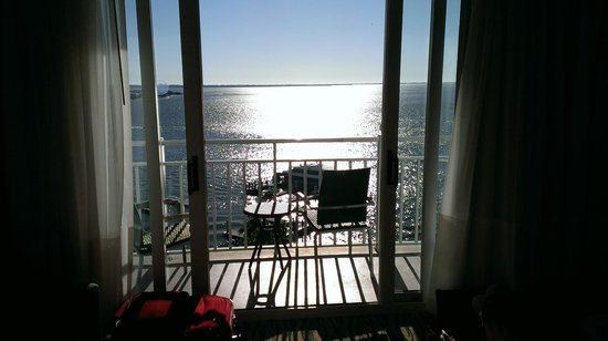 Sanibel Harbour Marriott Resort & Spa: Photo of balcony and view from hotel room on 8th floor