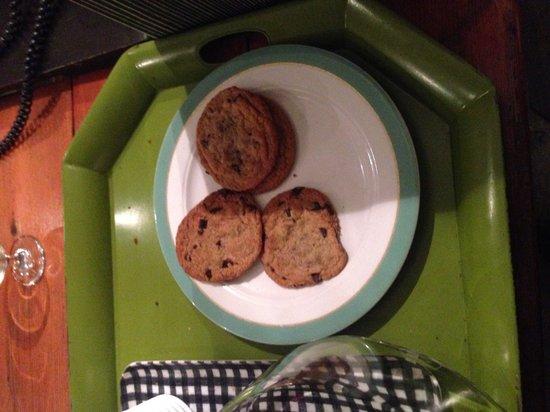 Farmer's Daughter Hotel: Free cookies at night!