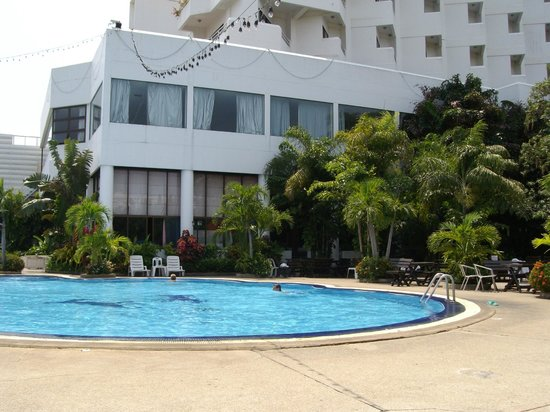 Welcome Jomtien Beach Hotel: piscine de l hotel