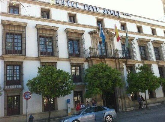 Tryp Jerez Hotel: exterior