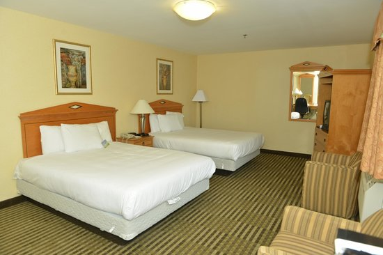 Whitney Inn & Suites: Double Bed Room