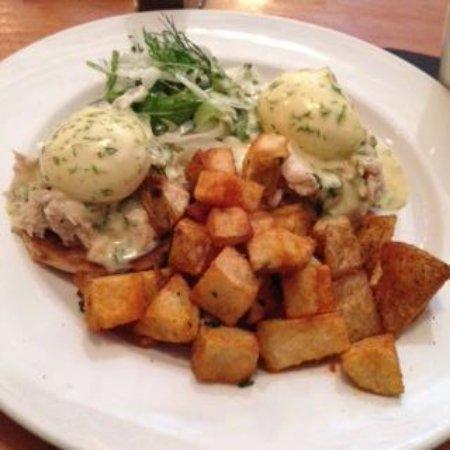 The Oakwood Canadian Bistro: brunch