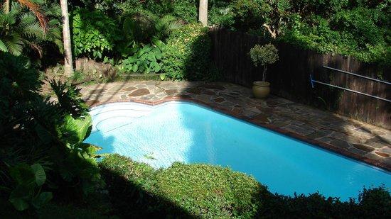 Woodridge Place: Pool area