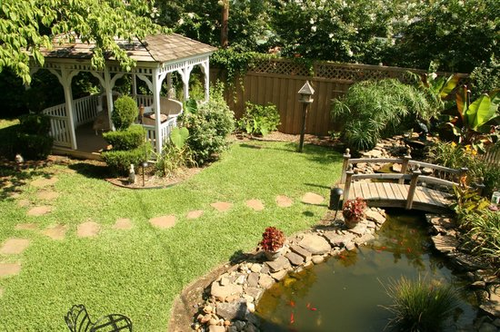 Perfect Memory Lane Inn: Private Backyard Oasis With Two Gazebos And Koi Pond
