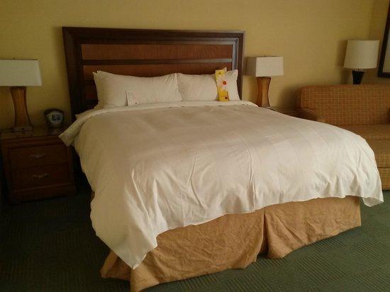 Fort Lauderdale Marriott Harbor Beach Resort & Spa : Bed