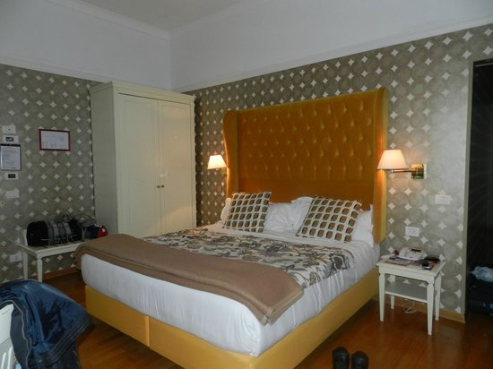 Room Mate Luca : Habitación