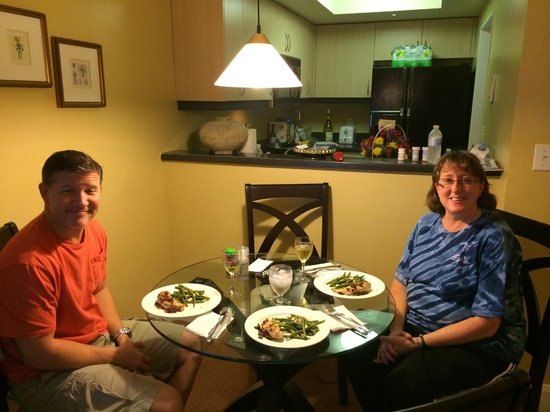 The Mutiny Hotel: We were able to prepare some awesome home cooked meals in the kitchen! Fresh Market is close by!