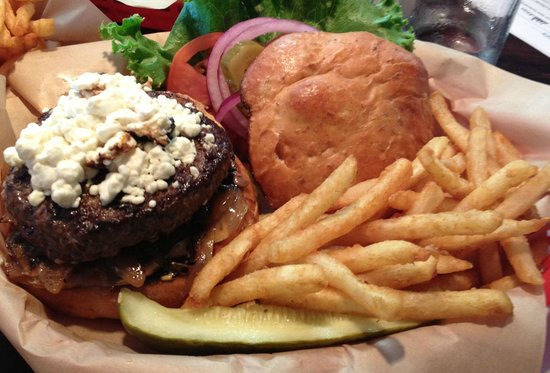 Pelican Brewing Company: Walk on the Wild Side Elk Burger
