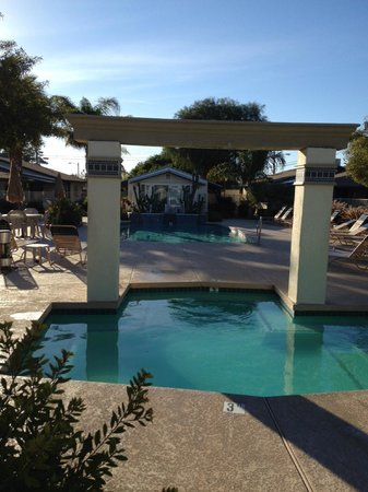 Arizona Royal Villa Resort: hot tub and pool