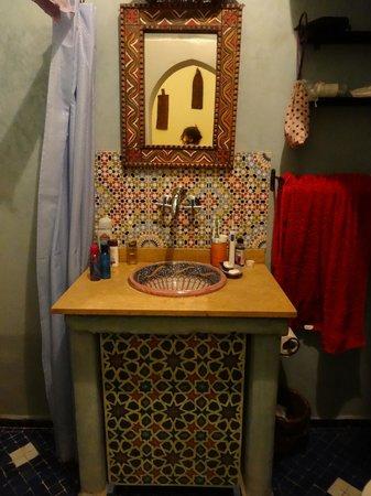 Riad Andalla: Our bathroom
