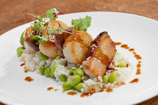 Agustin Kitchen : Scallops & Pork Belly