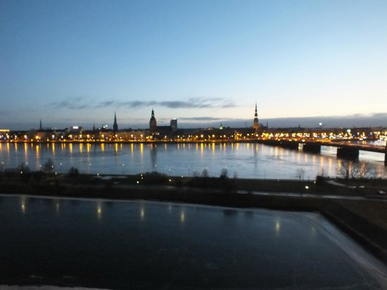 Radisson Blu Daugava Hotel, Riga: view at 6 am from room