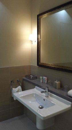 Crabwall Manor Hotel & Spa : Bathroom