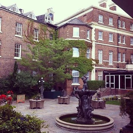 Hallmark Hotel The Queen, Chester: Garden