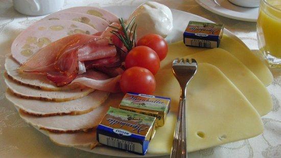 Haus Anny Schall: Teilansicht des Frühstücks