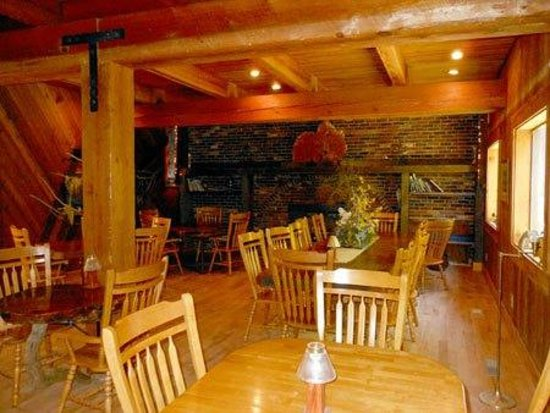 The Timberhouse Restaurant: Dining Room