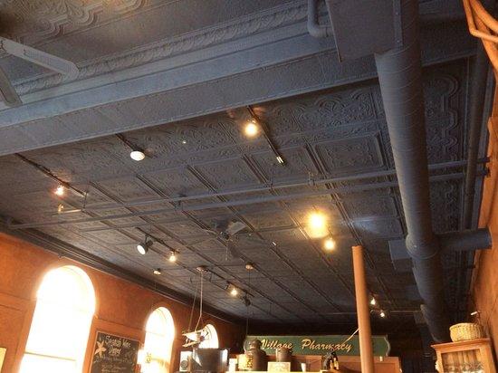 Passports Restaurant: The tin roof!