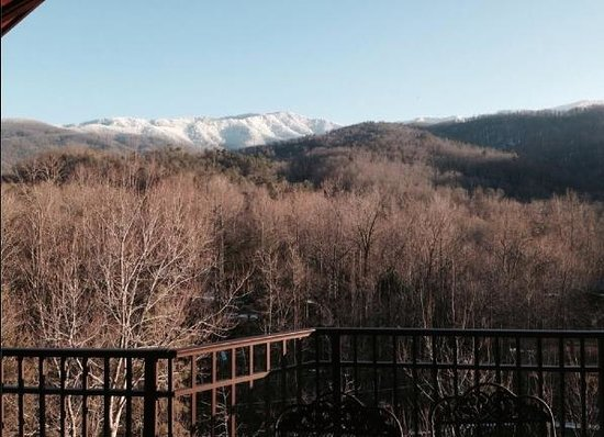 Elk Springs Resort: The view from the top balcony during the month of February