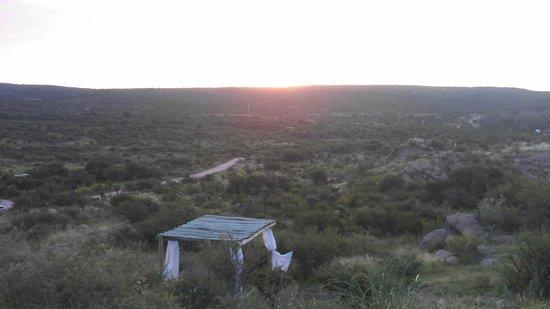 Dos Aguas: Esta es una vista desde la puerta de nuestra cabaña
