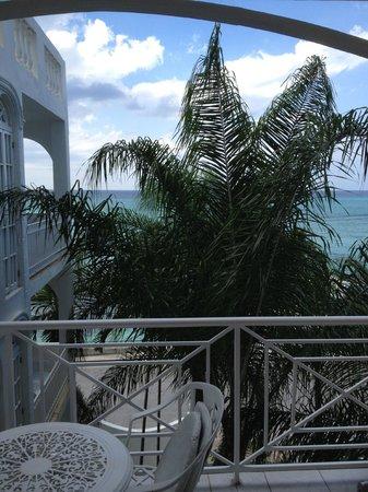 SeaGarden Beach Resort : ocean-view room