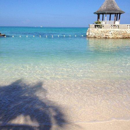 SeaGarden Beach Resort: Beach
